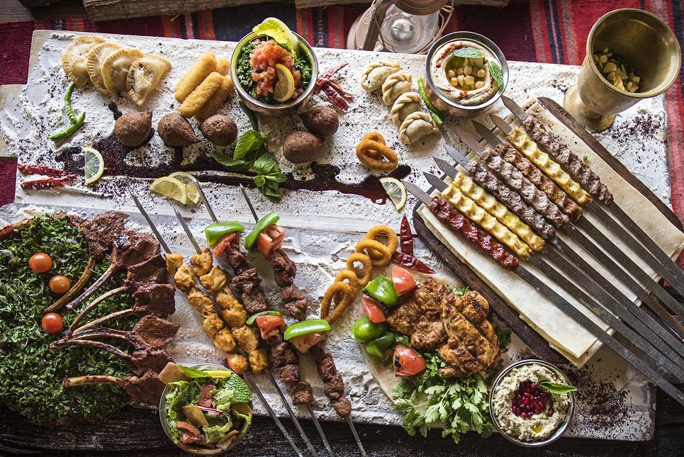 وجبات الإفطار والسحور في مطعم ريم البوادي