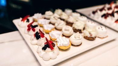 صورة تشكيلة متنوعة من الحلويات الفرنسية في دبي