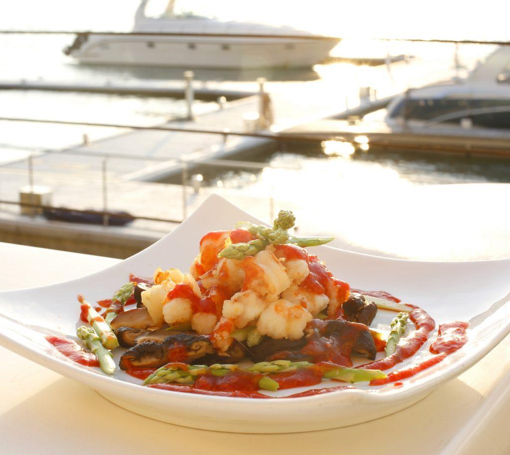 مطعم شو تشو في منتجع شاطئ دبي مارين بدبي