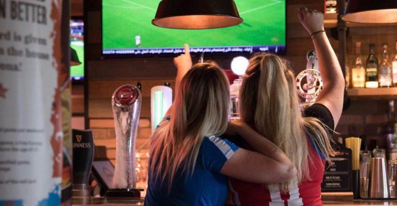 عروض مطعم بيري آند بلاكولدرز خلال بطولة كأس العالم