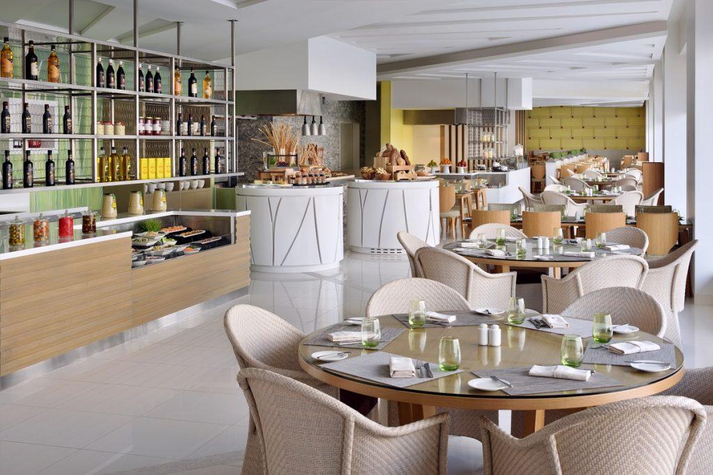 مطعم كزبرة في فندق ماريوت داون تاون أبوظبي