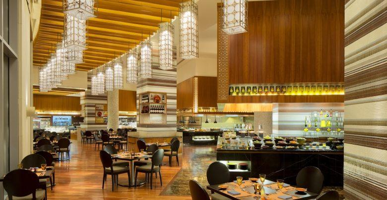 مطعم مازينا في العنوان مرسى دبي