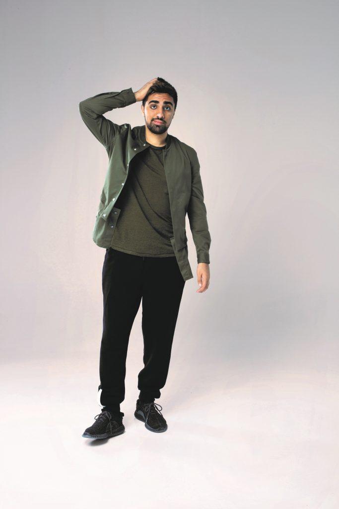 الشاب الإماراتي Mo Vlogs