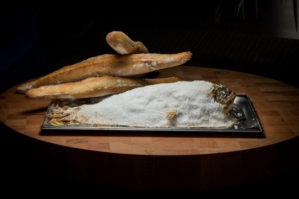 مطعم كريزي فيش دبي