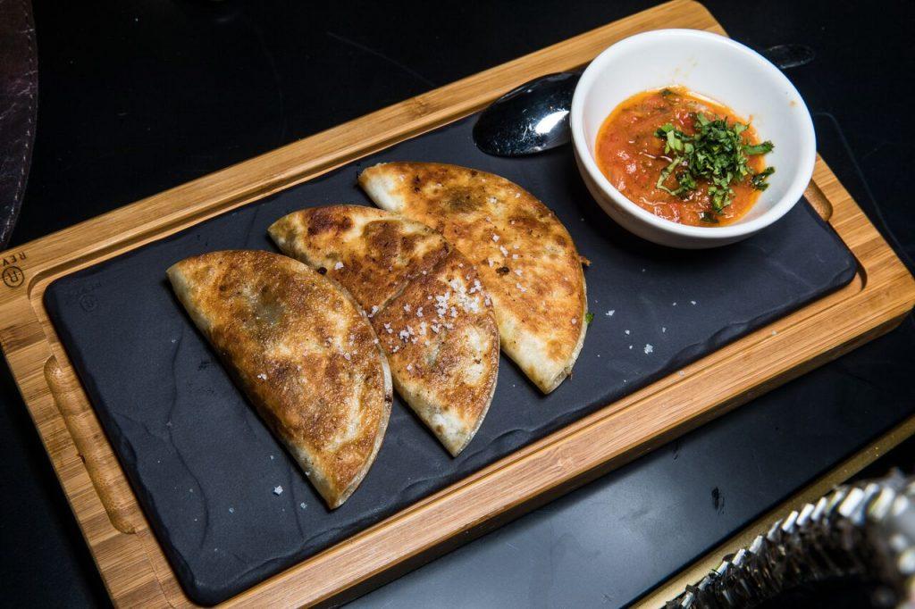 قائمة طعام ثابتة خلال عيد الأضحى من بيف بار دبي