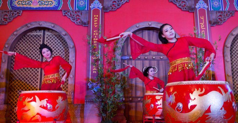 احتفالات سوق التنين بالأسبوع الإماراتي الصيني
