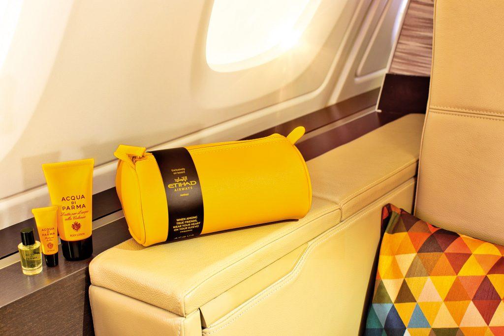 حقائب مستلزمات السفر والعناية الشخصية من الاتحاد للطيران