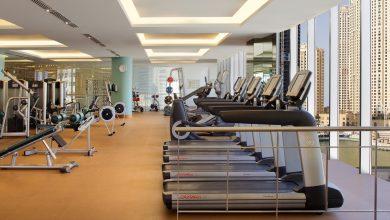 جلسات اللياقة البدنية وصفاء الذهن في العنوان مرسى دبي