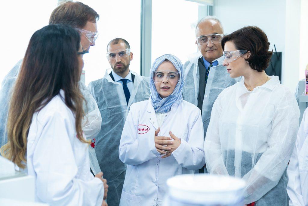 افتتاح مختبر شركة هنكل للعناية بالجمال في دبي