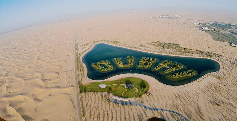 تجربة التحليق بطائرة شراعية فوق سماء دبي