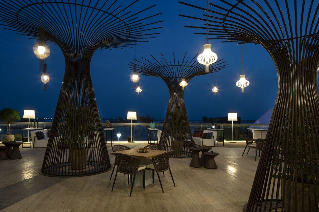 افتتاح مطعم بيرل لاونج في فندق جراند حياة أبوظبي
