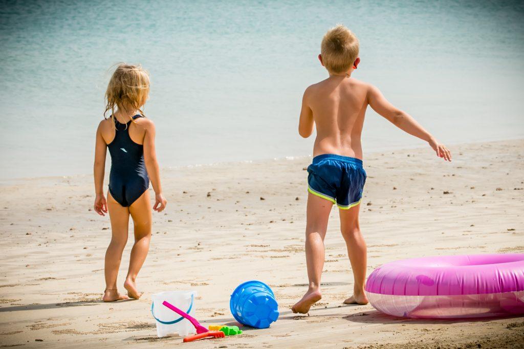 مخيم الأطفال الصيفي في نادي هيلتونيا الشاطئي