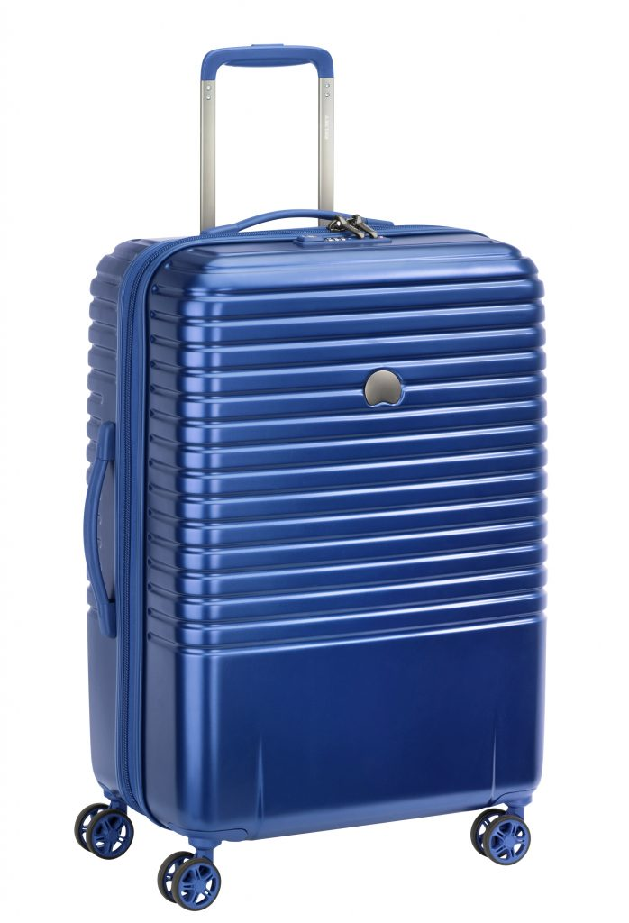 تشكيلة من حقائب السفر في متاجر جاشنمال هوم