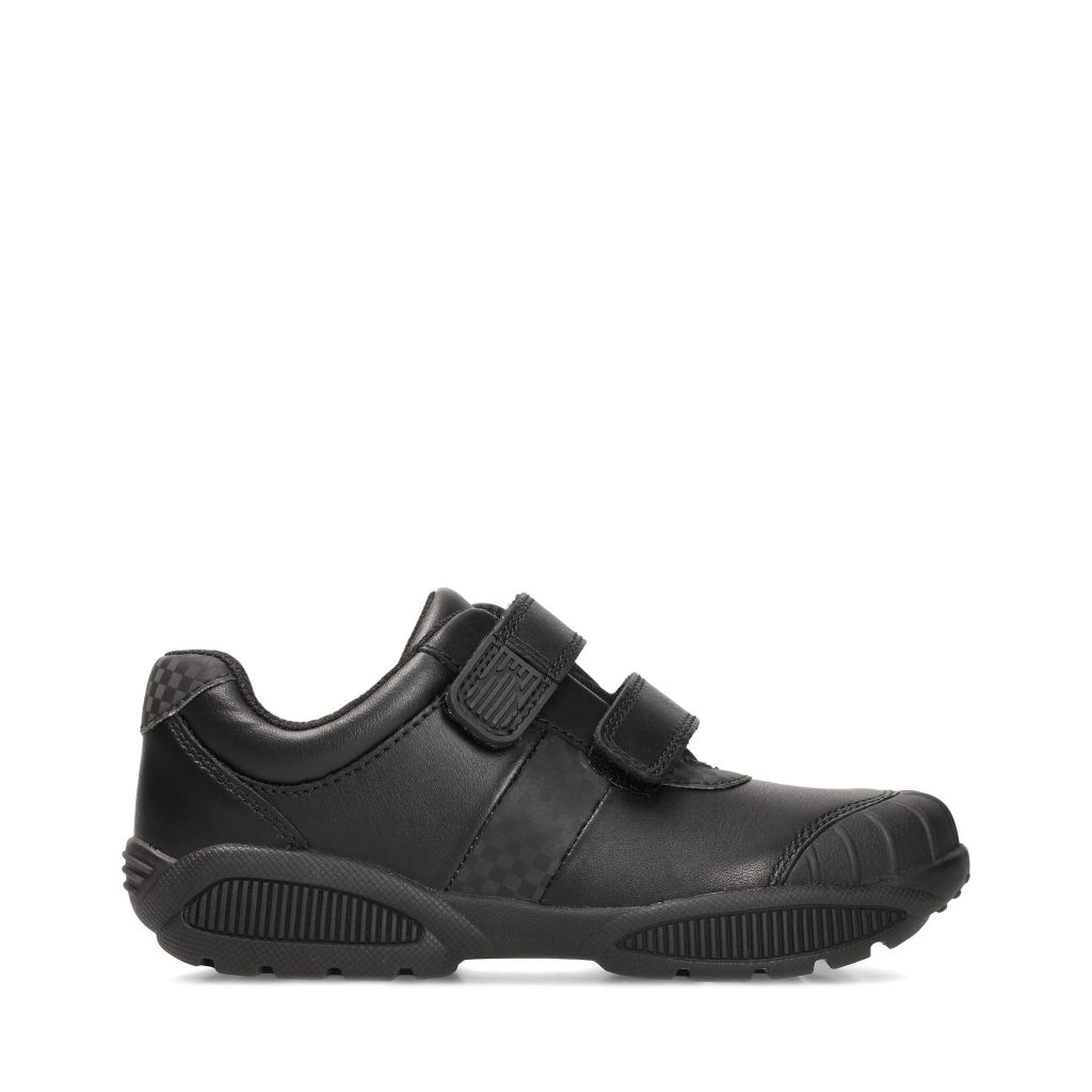 مجموعة أحذية العودة إلى المدرسة من كلاركس