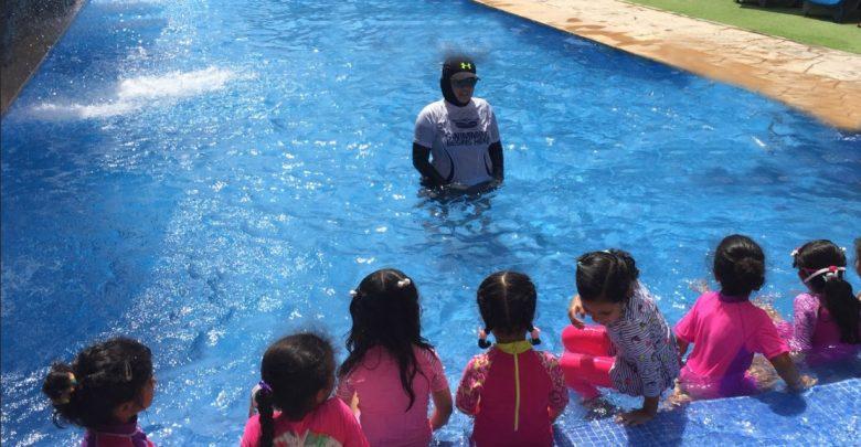 دورات سباحة للأطفال من منتجع وحديقة الإمارات للحيوانات
