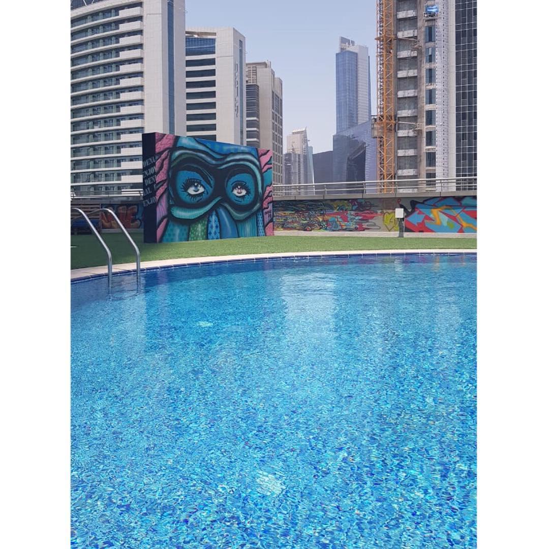 استديو ومقهى 701 أحدث الوجهات الفنية في دبي