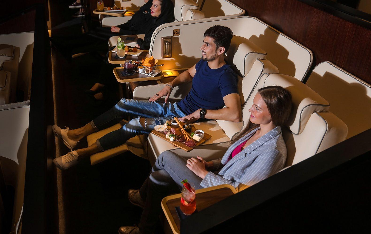 ريل سينما في دبي مول بحلتها الجديدة