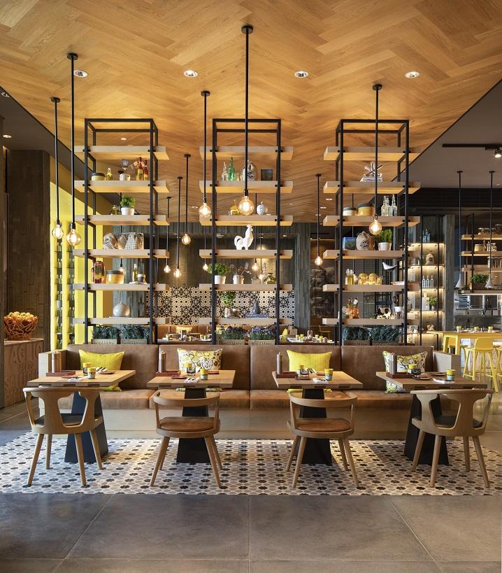 فيرسو في فندق جراند حياة أبوظبي ومساكن لؤلؤة الإمارات