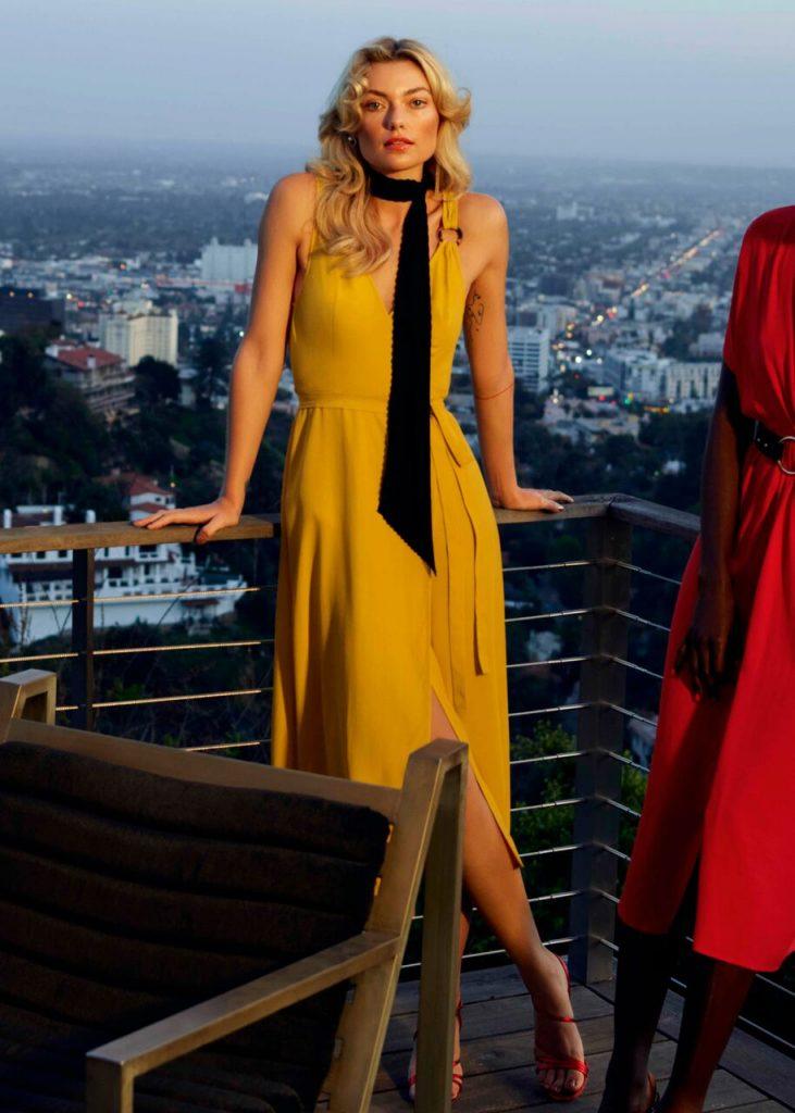أزياء آند أذر ستوريز المستوحاة من Frock Stars