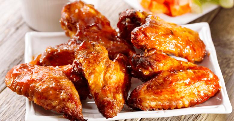 مطاعم لتناول ألذ أجنحة دجاج في دبي