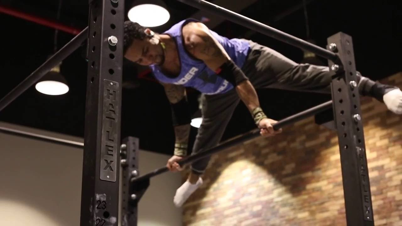 رقص تويركينج twerking في صالة Train SF
