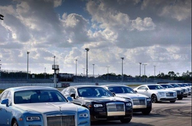 نجد لتأجير السيارات في دبي