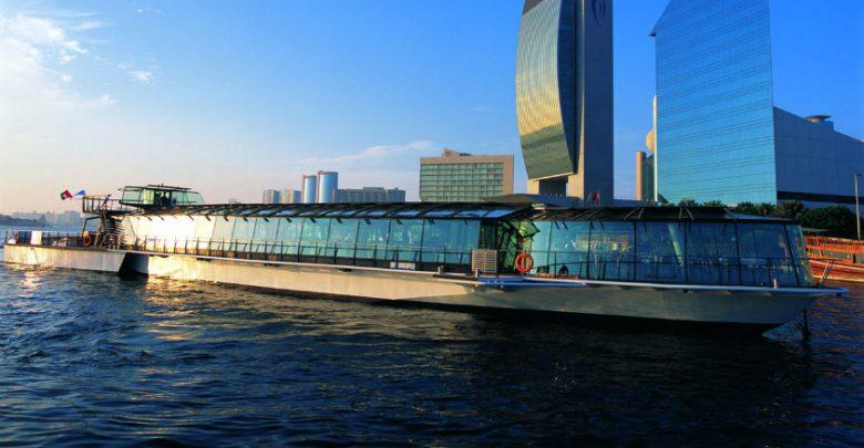 المطعم العائم JA Bateaux يطلق رحلات جديدة في دبي