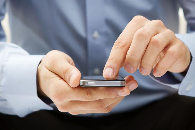 ما هي عقوبة تسجيل المحادثات الهاتفية في دبي ؟
