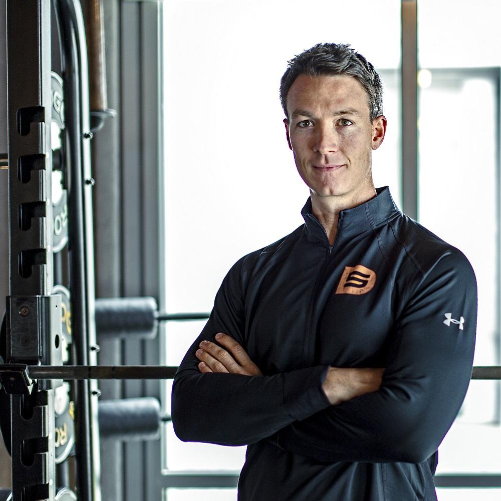 جيمس مدرب ومؤسس نادي D5 للياقة البدنية في دبي