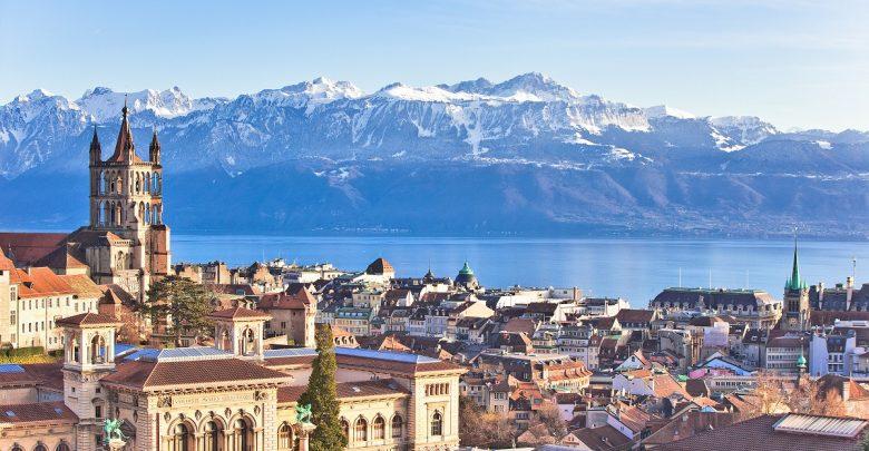الإطلالات الطبيعية في مدينة لوزان السويسرية