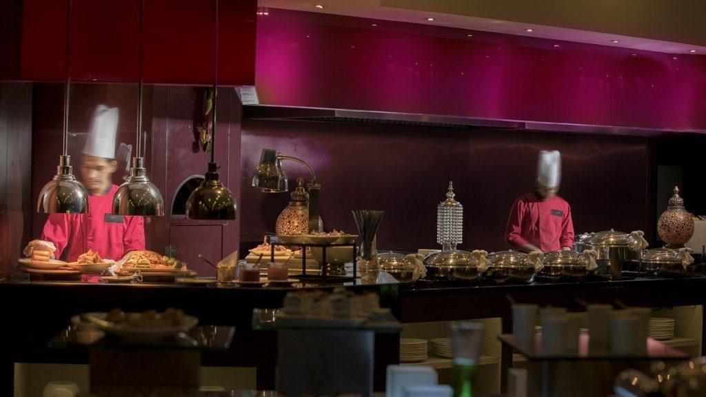 مطعم ليمون بيبر في فندق إم هوتيل داون تاون من ميلينيوم