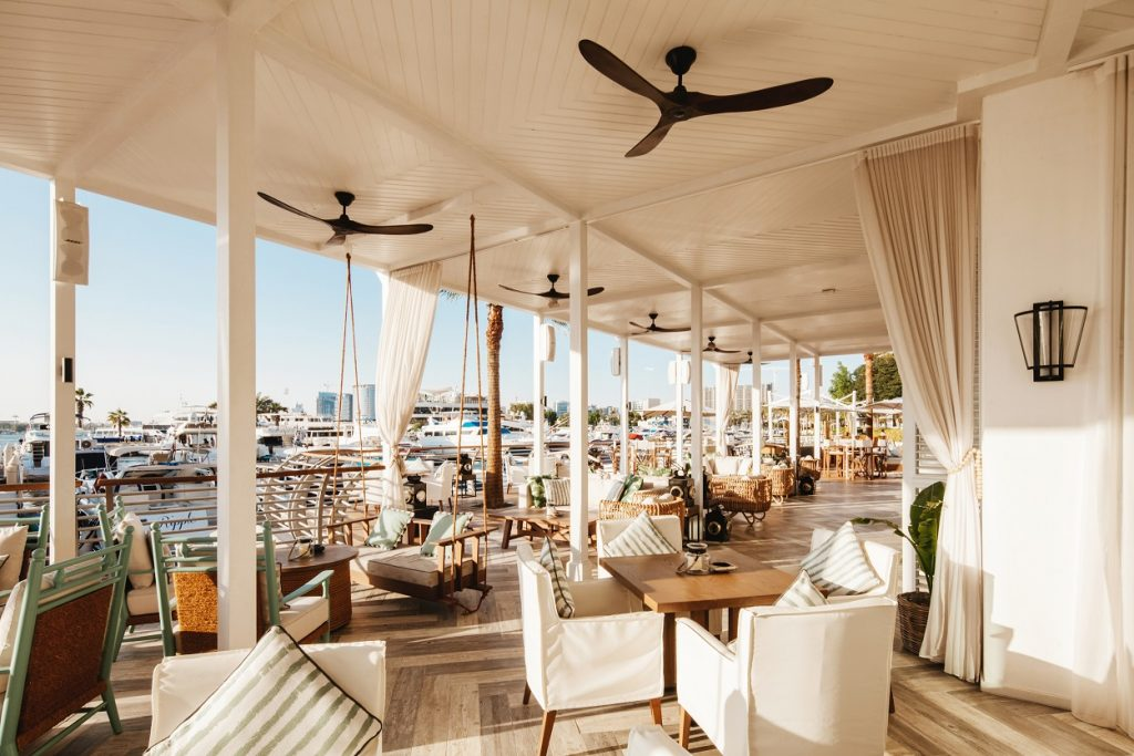 وجهة المطاعم الجديدة ذا بروميناد في فندق بارك حياة