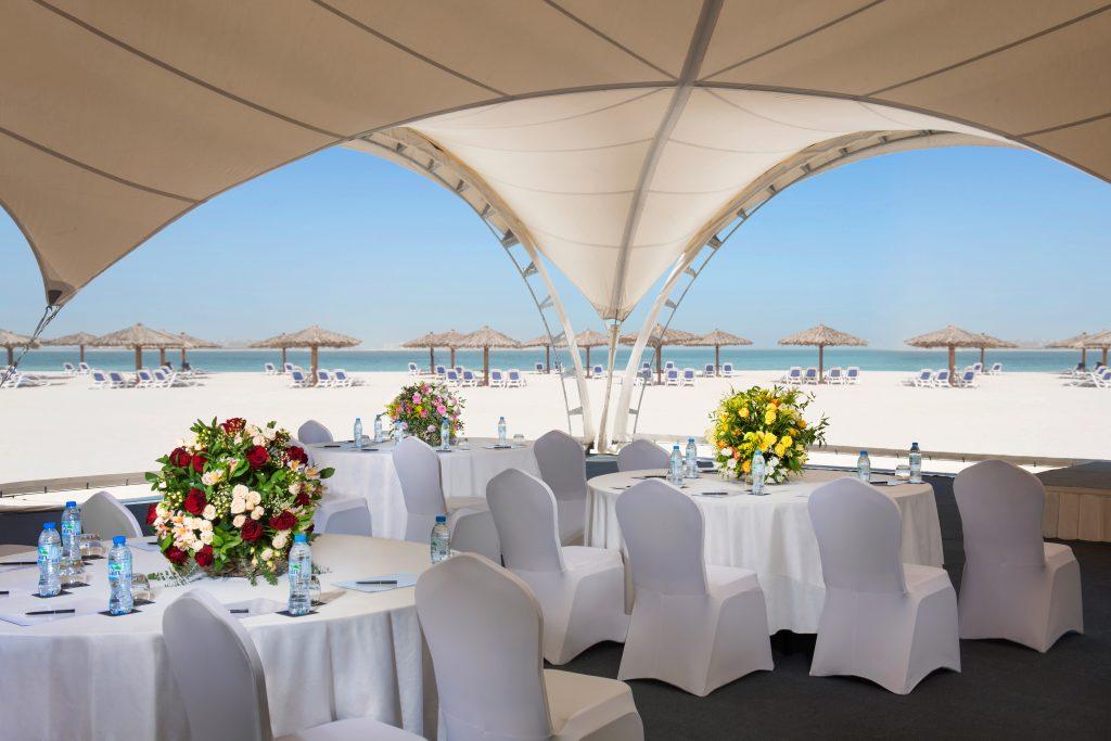 خيمة الاجتماعات من منتجع شاطئ وغولف الحمرا