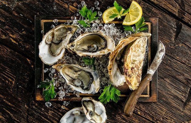 سوق المأكولات البحرية في مطعم ناينتين