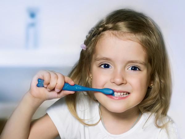 6 نصائح للحفاظ على صحة أسنان الأطفال
