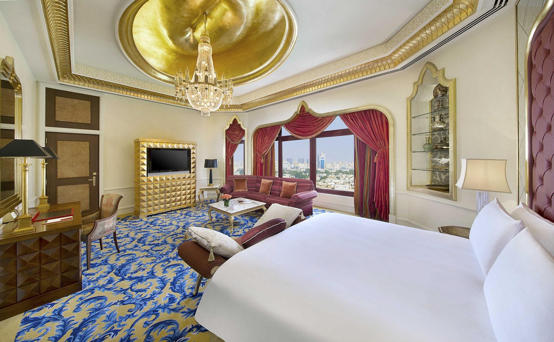 فندق والدورف أستوريا في جدة