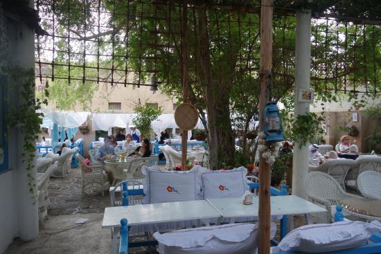 مطعم ومقهى ارابيان تي هاوس في البستكية
