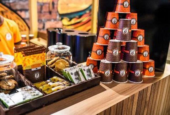 INDOORS أول سوق داخلي لمأكولات الشارع في دبي
