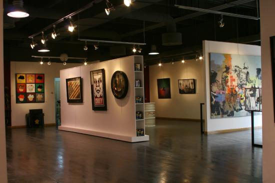 برو معرض الفنPro Art Gallery