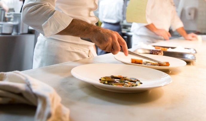 قائمة طعام بعنوان خمسة ألوان من الشيف إنريكو