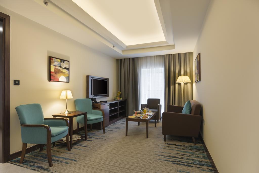 فندق غولدن توليب ميديا Golden Tulip Media Hotel