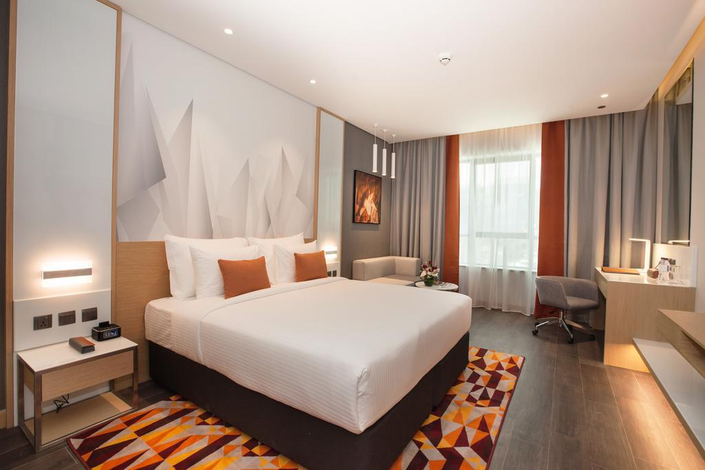 فندق فلورا إن flora inn Hotel