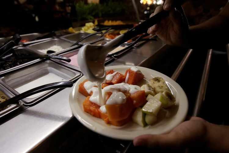 وجبات طعام مجانية للباحثين عن العمل من مطعم ذا كباب شوب