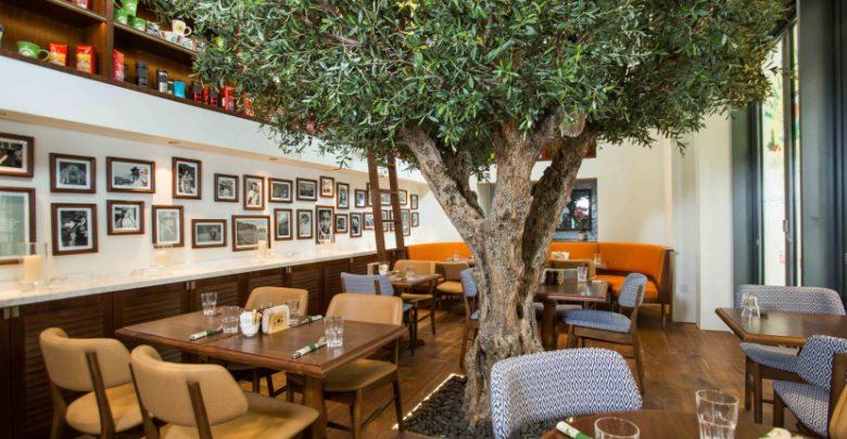 المقهى الأمريكي Urth Caffé في سيتي ووك