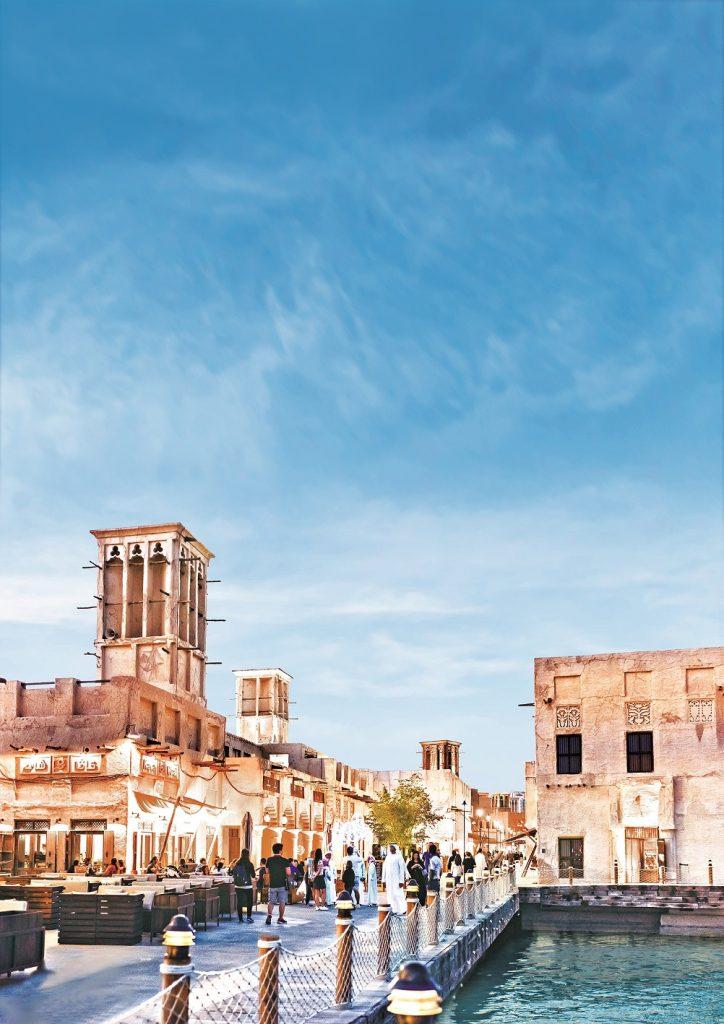 فعاليات مهرجان السيف على خور دبي