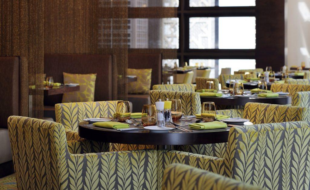 بيسترو في فندق كورت يارد ماريوت المركز التجاري العالمي أبوظبي