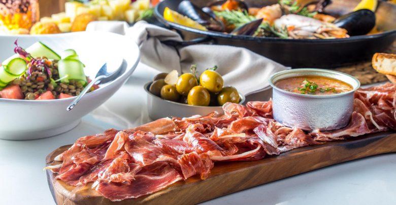 الأطباق والعروض الجديدة في مطعم إل سور