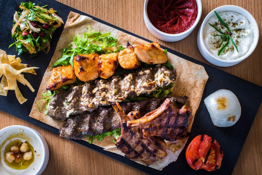 بوفيه ليلة عربية من مطعم كزبرة