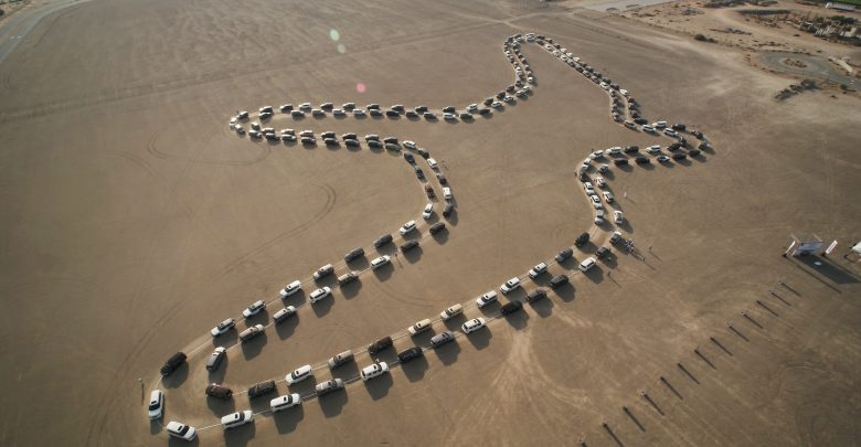 أكبر موكب رقص متزامن بالسيارات في دبي