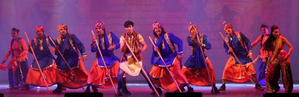 العرض الموسيقي تاج إكسبريس في دبي أوبرا